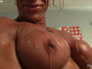 MuscleFoxx - Her Own Muscles Get Her Hot. Her Big Clit Shows How Hot.