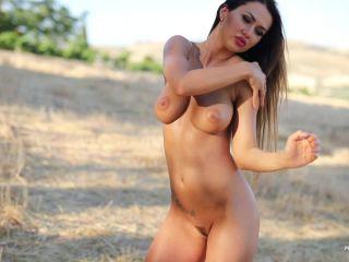 Photodromm presents justyna fieldsoffire 2