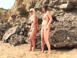 Bikini_pleasure_com - Bikini_Pleasure_2006-07-15