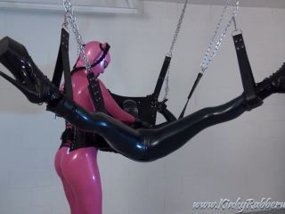 Latex Porn – 7773 – Getting The Young Rubbergirl Ready For Some Dildo Fucking Part1