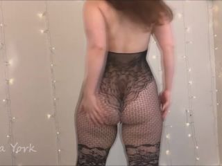Bea York - Fun in My Sexy Lacy Bodysuit [Manyvids]