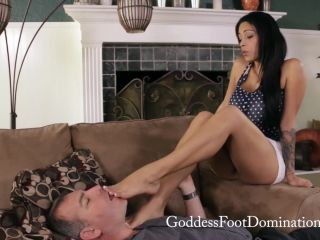 Goddess Foot Domination - Jamie Valentine - New Summer Home - footjobs on femdom porn