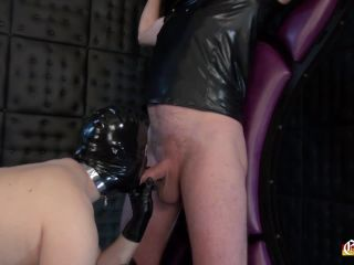 Suck the cock and take the strap on