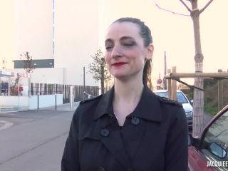 Jacquieetmicheltv presents Cassandra, 35ans, senvoie en lair a Orly –