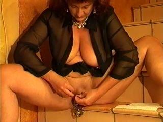 Vintage 2 videos Heydi fisting and huge dildos insertion