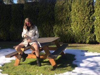 WinnieCooper – pregnant public park fisting