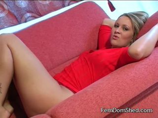 Princess Amber Ive got you a new job serving drinks in the gay bar dar ...