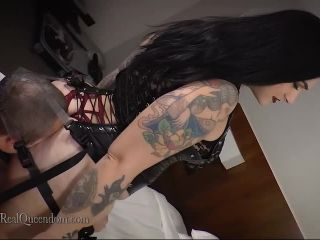 The Queendom – The Executrix Files: In Kawaii's Smother Harness SD