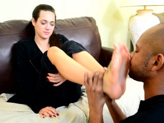Dacey Harlot in More Foot Love