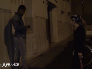 Gwenanie Zolie - A pretty arab slut from Paris tastes a big black cock