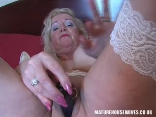 MatureHousewives024