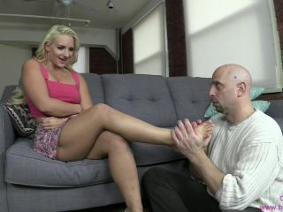 Porn online Face Sitting – Brat Princess 2 – Cali Carter – Uses Perverted Puckermans Face to Get Off