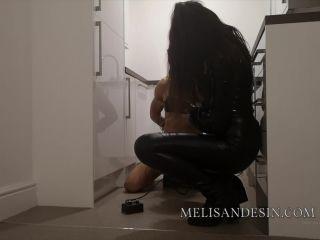 Miss Melisande Sin – Rope-bondaged Sybian riding electro watersports