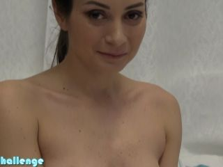 Shocking Valentina Bianco
