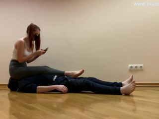 PETITE PRINCESS NAUGHTY REDHEAD PIGTAILED BABE IN TIGHT LEGGINGS – FULL WEIGHT FACESITTING AND PUSSY SMOTHER FEMDOM