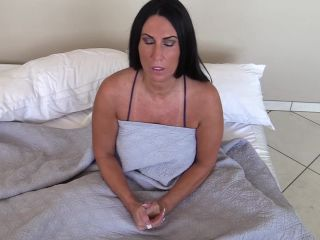 Porn online ManyVids presents Katie71 – Bully's Gangbang my Mom (MP4, FullHD, 1920×1080) Watch Online or Download!