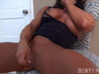 MuscleFoxx - She's Getting Off. Want To Watch?