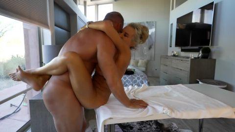 Sandra Otterson - Massage Queen!! [HD 720P]