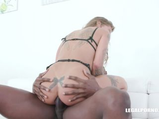 New 11.09.19 Silvia Dellai and Rebecca Sharon anal and pussy fisting sex lesbians and DP