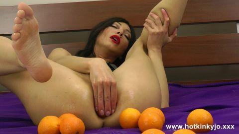 Hot Kinky Jo - Oranges (1080p)