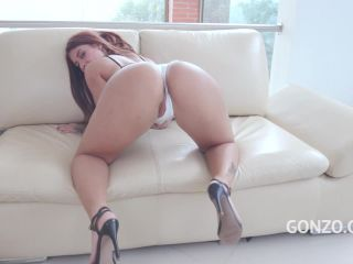 New 26.11.19 Laura Monroy penetration big dildo in her ruined anus