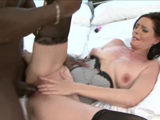 Sex Hungry Cougar Craves Big Black Dick Anal