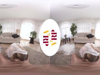 Selvaggia - Run Away Bride (VR, VR Porn, Virtual Reality, Oculus Rift)