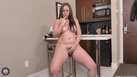 Brandii Banks - 43) - Thick Brandii Banks with her hairy pussy has a booty to die for (1080p)