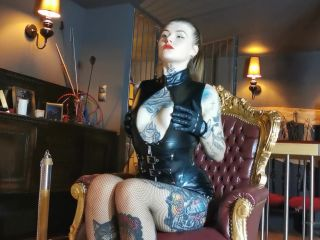 Miss Melisande Sin – Elegant Mistress Allows Her Obedient Slave To Worship Her Tired Feet In Fishnets After Long Day In High Heels (1080 HD)
