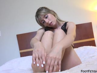 Daphne Dare Self Sucking