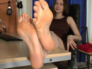 Online Fetish video Toes pointing – Lucy
