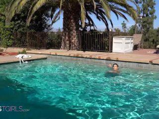 Aubrey Starr 4K Pool Fun