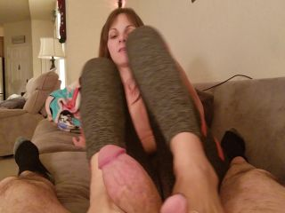 handjob - Kinky Foot Girl – Testing the waters again. Real quick Footjob leading to a handjob with you cumming on my feet