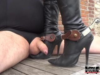 Riding Queen Kalashnik – Flattened and Punctured (Full Video) | online | porn video