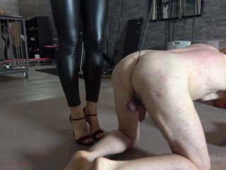Foot Licking – MISTRESS GAIA – ALL IN BLACK