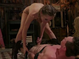 Mona Wales Femdom fisting and strapon domination