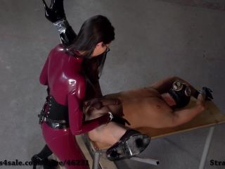 Strap-on Bitch – Fetish Narzisse – Fucked From The Rubber Mistress