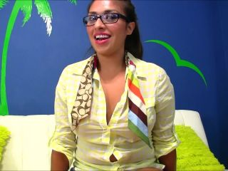 Sandra Latina - The Mexican Nerd Gets Pounded [Manyvids]
