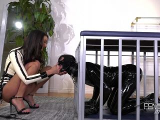 Foot Licking – VICIOUS FEMDOM EMPIRE – Mommy's Doormat – Mommy Domme Eliza