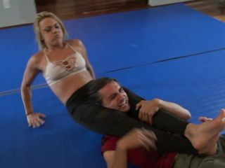 Reality Girls Scissors – Maria Jade  – Naked Headscissors Knockout (4K)