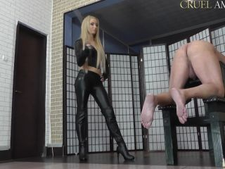 Caning – CRUEL MISTRESSES – Over a hundred strokes – Mistress Ariel