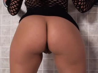 Video online Curvy White Asses, Scene 1