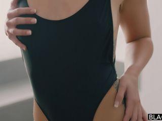 Kelsi Monroe (Full HD)