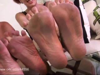 Dirty feet – Roxie Rae, Miss Crash – Watch and Cum