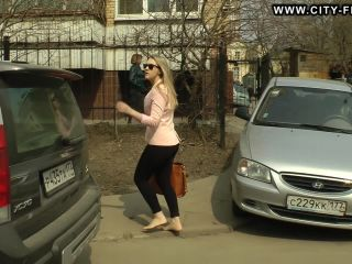 Bare Feet In The City Video - Valeria 2013-08-1