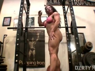 Naked Muscle Bodybuilder Girl Fingering Pussy in the Gym