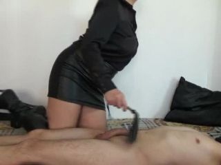 Femdom – Mistress Roberta – Play with yourself while i will whip your nipples