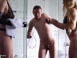 Ball Busting Chicks – Angela,Isabella – Ladies Shower Room