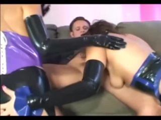 Kinky threes in latex stockings and gloves