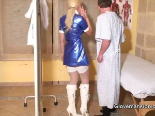 Big Boobs – Glove Mansion – At the doctor's practice part 1 – Lucy Zara and Frankie Babe